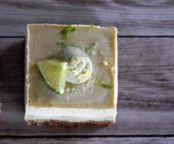 Raw Pina Colada Cheesecake