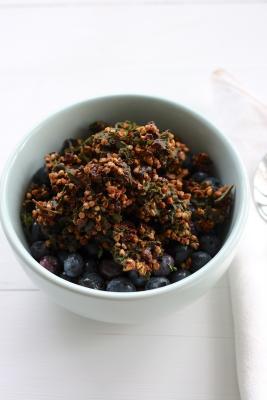 Kale-Nola (Raw Kale, Buckwheat and Cacao Granola)