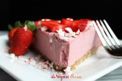 Raw Strawberry Peppermint Cheesecake