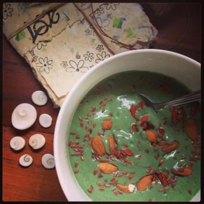Sugar Free Creamy Green Smoothie: