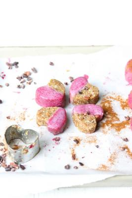 Ginger Cookies with Pink Frosting