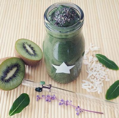Kiwi Chia Green Smoothie
