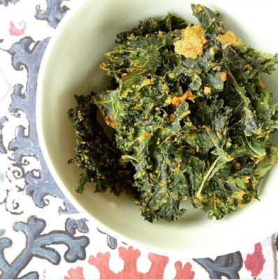 Curry Cashew and Dill Kale Chips