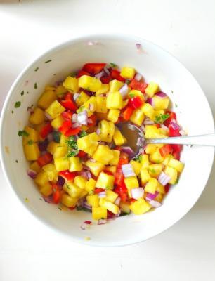 Raw Vegan Pinapple Salsa