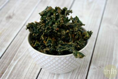 Kale Chips with Spicy Peanut Sauce
