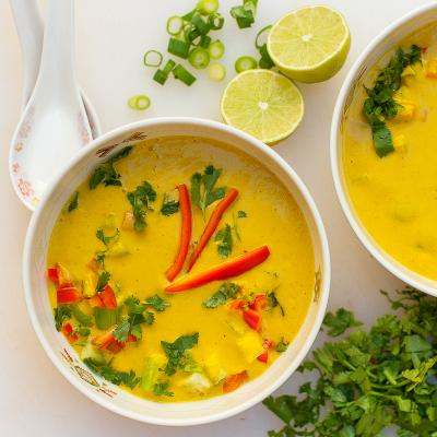 Raw Vegan Coconut Curry Soup