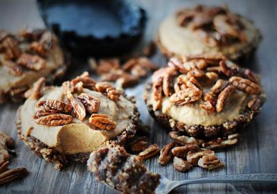 Raw Pecan Caramel Pie