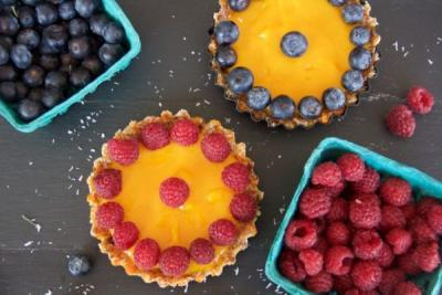 Raw Vegan Mango Fruit Tarts (Nut-Free & GF)