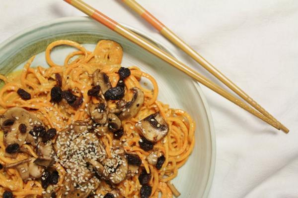 Yam Noodles with Sweet Sauce, Marinated Mushrooms & Sesame Seeds