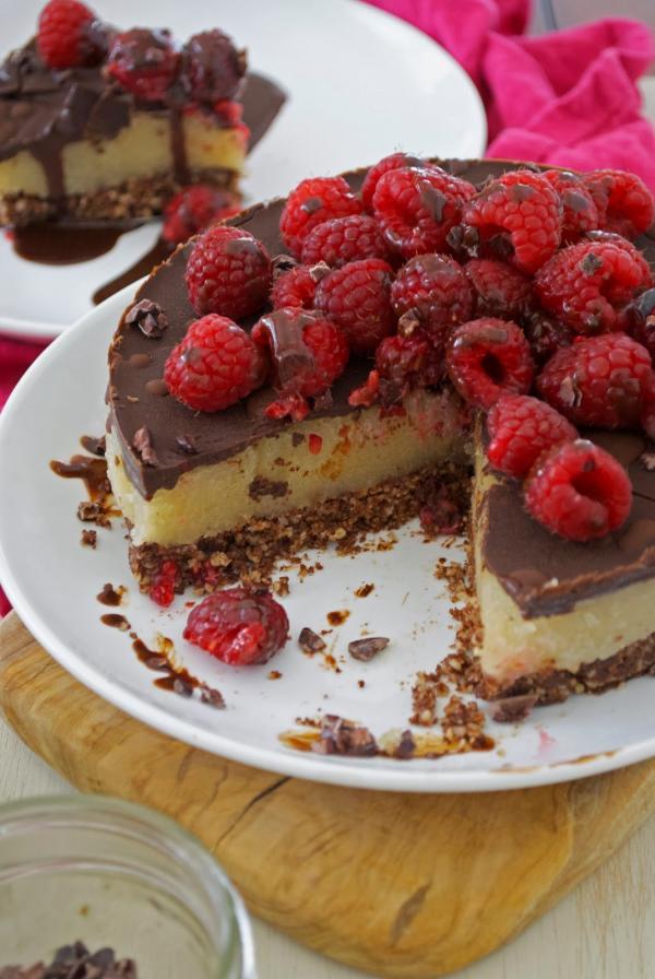 Cacao Raspberry Magic Cake
