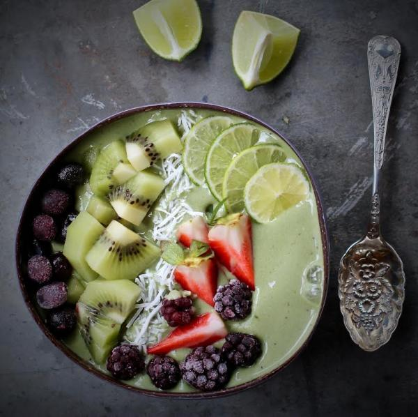 Lime and Coconut Super Greens Smoothie
