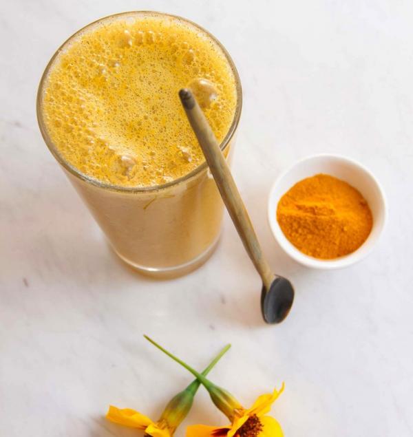 Anti-Inflammatory Sunshine Apricot Turmeric Smoothie