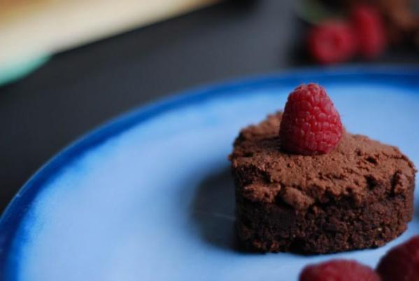 Raw Chocolate Cake Hearts