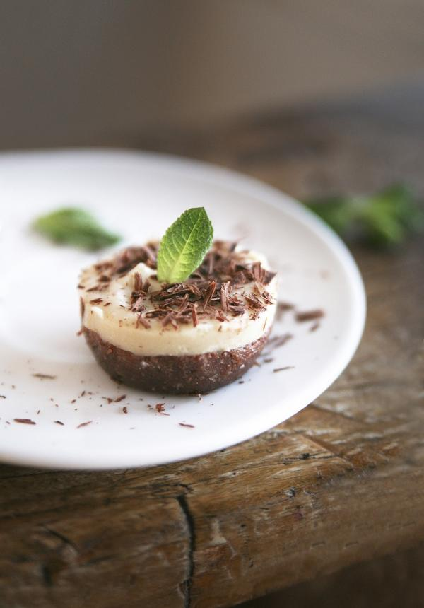 Mint Chocolate Vegan Cheesecake Bites