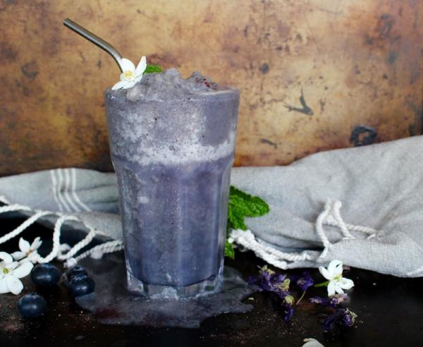 Blue Chai Mesquite Smoothie