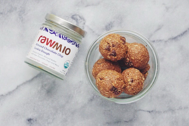 Rawmio Almond Oatmeal Cookie Dough Balls